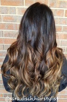 In love with this balayage by @sara.disch.hairstylist  #ncsmadison #balayage #redkenready