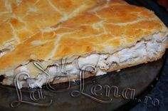 Chicken & Sour Cream Russian Pie, recipe from Pizza and pies category Best Chicken Pie Recipe, Chicken Recipes, No Cook Appetizers, Romanian Food, Romanian Recipes, Foods To Eat, How To Cook Chicken, Pie Recipes, Sour Cream