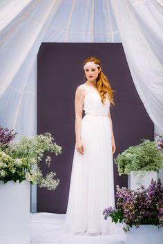 noni Federleicht Brautkleider 2017 | Hippie Hochzeitskleid mit Spitze (Foto: Le Hai Linh)