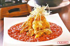 芙蓉軟殼蟹380元 加入紅咖哩拌炒,醬汁滑嫩順口,更襯托軟殼蟹的鮮甜酥脆。