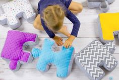 With Pullze from Lollifox your child can learn colours! Check another clever soft toys!  www.lollifox.com