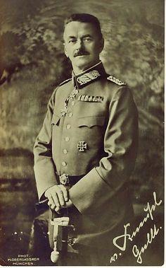 Generalleutnant  Paul Ritter von Kneußl (27. June 1862 - 16 February 1928), commander 8. Königlich Bayerische Infanterie Brigade - Metz 1913, 1. Königlich Bayerische Reserve Inf. Brig. 1914, 11. Infanterie Division 1915, XV., I. Königlich Bayerisches Reserve Korps 1918.  Pour le Mérite 03 June 1915, Eichenlaub 11 January 1917.