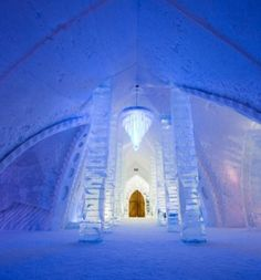 Canadian ice hotel, with Disney inspired Frozen room