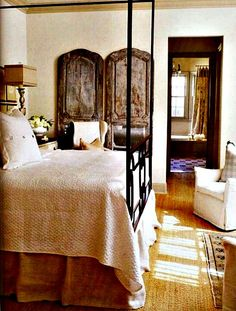 Recently a Cote de Texas reader and a client of Lisa Luby Ryan's, wrote to tell me that Lisa had sold her house! Rustic Bedroom Design, Farmhouse Bedroom Decor, Home Decor Bedroom, Bedroom Ideas, Rustic Bedrooms, Bedroom Designs, Bedroom Furniture, Room Photo, Linen Bedroom