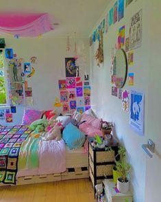Neon Bedroom, Indie Bedroom, Indie Room Decor, Cute Bedroom Decor, Room Design Bedroom, Room Ideas Bedroom, Bedroom Inspo, Chambre Indie, Retro Room