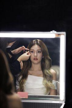 Kpop Girl Groups, Kpop Girls, Pretty Hair Color, Jeon Somi, Pretty Hairstyles, My Girl, Idol, Korean, Female