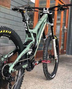 Rate this awesome Santa Cruz Owne - Dream Bikes - Mountain Bikes - Bike Mt Bike, Mtb Bicycle, Cycling Bikes, Best Mountain Bikes, Mountain Bike Trails, Fully Bike, Vtt Dirt, Montain Bike, Quad