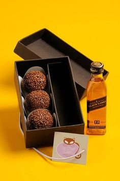 Miniature Black Label and Chocolate Truffles Gift Hampers, Le Chef, Marzipan, Food Packaging, Corporate Gifts, Diy Gifts, Brunch, Food And Drink, Favorite Recipes