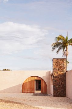 Availability — The Range Byron Bay Houses Architecture, Sustainable Architecture, Beautiful Architecture, Architecture Design, Agaves, Le Ranch, Agricultural Practices, Farm Stay, Facade House