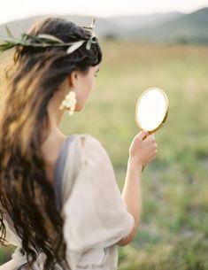 crown of leaves - greek-goddess-greek-goddesses-grecian-wedding-inspiration-wedding-hairstyles-accessories