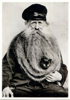 Reason # 97 to grow a beard. Louis Coulon, his eleven foot beard, and one small black cat. Crazy Cat Lady, Crazy Cats, Cat Beard, Beard Man, Beard Lover, Men With Cats, Foto Portrait, Amor Animal, Animal Pics