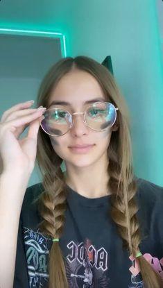 Mirrored Sunglasses, Sunglasses Women, Instagram, Fashion, Movies, Pictures, Artists, Moda, Fashion Styles