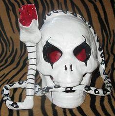 """"""" Alice Cooper skull """""""