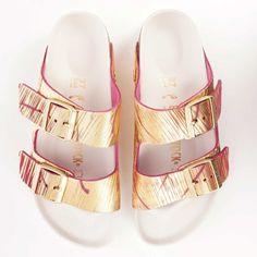 Birkenstock Arizona Rivet Logo Sandals   Metallic Cuts Magenta   1012946