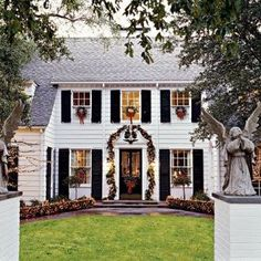 Style Profile: Amy Berry - The Glam Pad Colonial Style Homes, Georgian Homes, Dining Room Inspiration, Classic Interior, Historic Homes, Old Houses, Palm Beach, House Tours, Future House