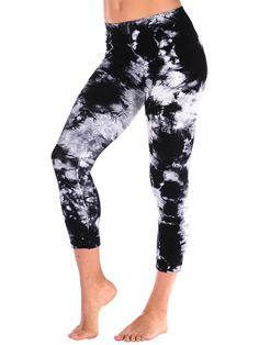 9cda681080 Tees by Tina Seamless-style Tie Dye All Over Capri for yoga or workout.