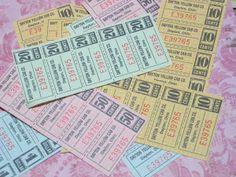 ticket 1980~90年代のヴィンテージのアメリカのタクシー(イエローキャブ)のクーポン 5枚セットです。  ミシン目が入っているので切り離すことができます。 金額ごとにクーポンの色が違います。 裏は無地になっていますので、メッセージを書き込んでタグにしたり、お手紙に添えても素敵です。  クーポン1枚 約5×2.3cm ×5枚、 1シートの状態でお届けいたします。