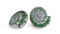 Fabergé - Tzarina earrings with precious stones in shell form High Jewelry, Women Jewelry, Luxury Sale, Faberge Jewelry, Shell Earrings, Emerald Earrings, Jewelry Branding, Jewelry Collection, Amazing