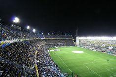 Pisar el Estadio Nemesio Diez in Toluca, México