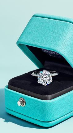 Tiffany Blue Box, Tiffany And Co, Luxury Gifts For Women, Tiffany Rings, High Jewelry, Jewellery, Fashion Rings, Jewels, Engagement Rings