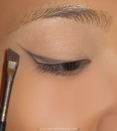how to cat eyeliner