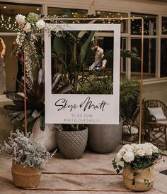 16 Amazing Wedding Photo Booth Backdrops for 2019 Trends Polaroid Hochzeit Photo Booth Ideen Polaroid Photo Booths, Photos Booth, Polaroid Frame, Frame For Photo Booth, Photo Booth Signs, Polaroid Photos, Photo Booth Wall, Diy Polaroid, Photo Wall