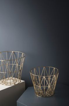 Small Brass Wire Basket design by Ferm Living Metal Baskets, Storage Baskets, Wire Storage, Nordic Art, Iron Art, Wooden Tops, Messing, Decoration, Home Accessories