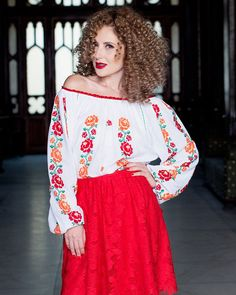 This hand embroidered traditional blouse is decorated with floral patterns, representing the Royal Roses, sewn on cotton fabric. Folk Fashion, Ethnic Fashion, Folk Embroidery, Traditional Outfits, Lace Skirt, Blouse, Floral, Skirts, Handmade