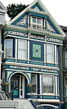 New Exterior Paint Colours For House Cottage Interiors Ideas Modern Victorian Homes, Victorian Architecture, Beautiful Architecture, Beautiful Buildings, Beautiful Homes, Victorian Houses, Victorian Decor, House Beautiful, Beautiful Places