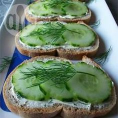 Sandwiches au concombre 3 @ allrecipes.fr