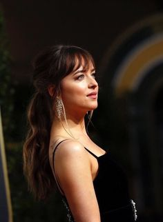 I can't take my eyes out of her! DAKOTA JOHNSON ATTENDS THE 75TH GOLDEN GLOBE AWARDS IN LOS ANGELES, CALIFORNIA ❤️❤️❤️(JAN. 7TH) Cr. @ohmyshades