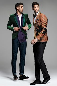 This emerald suiting blazer is a variation on the classic blazer and represents a fad for 2013 as emerald is the color of the year. As does the paisley patterned suit blazer