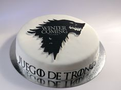 Game of thrones cake by www.facebook.com/loresbakery