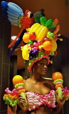 Carmen Miranda balloon costume made by Las Vegas Balloon Artists, Jeremy Johnston and Marie Dadow www.atomicballoons.com