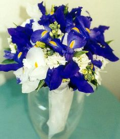 wedding-bouquets-with-iris