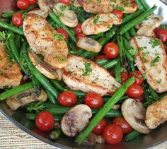 Chicken with Green Beans Mushrooms and Tomatoes Clean Eating Recipe https://cleanfoodcrush.com/balsamic-chicken/