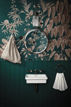 Forest Green Color Trends - Decoration For Home Interior Design Trends, Home Design, Interior Inspiration, Green Interior Design, Bathroom Inspiration, Interior Design Wallpaper, Design Ideas, Interior Ideas, Colour Combinations Interior