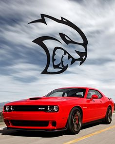 Dodge Challenger SRT Hellcat Claws the Competition   FCA360