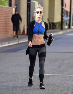 Julianne Hough Photos Photos - Julianne Hough is seen exiting the studio after a workout on January 11, 2017. - Julianne Hough Finishes Up a Workout