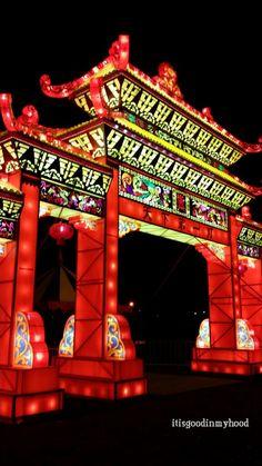 Bridge to lighty land!!  http://itisgoodinmyhood.blogspot.nl/2014/12/date-night-china-light-utrecht.html