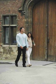 Josh Murray and Andi Dorfman Take a Stroll Through Ghent in Episode 7