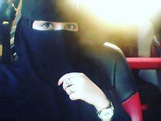 Beautiful Muslim Women, Beautiful Girl Image, Niqab Fashion, Girl Fashion, Cute Girl Face, Cool Girl, Crazy Girls, Cute Girls, Cute Baby Wallpaper