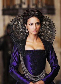 "fuckyeahcostumedramas: ""Medalion Rahimi in 'Still Star-Crossed' "" Tudor Costumes, Period Costumes, Movie Costumes, Historical Costume, Historical Clothing, Historical Dress, Mode Renaissance, Homburg, Star Crossed"