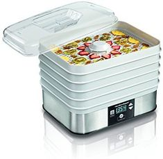 Hamilton Beach Food Dehydrator 32100 Looking for snack options that are high in nutrients but low in calories? With five stackable drying trays and 500 watts of power, it's easy to dry a variety of fruits and vegetables, and even make beef jerky. Food Dehydrator Reviews, Best Food Dehydrator, Dehydrator Recipes, Food Dryer, Potato Sticks, Fruit Roll, Dried Apples, Beach Meals, Banana Chips