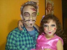 Un zombie y una muñeca