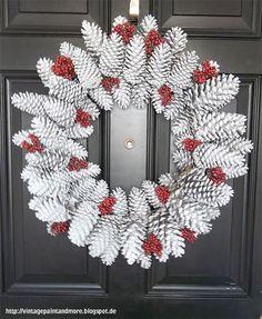 Winter Wreath, door decoration, DIY door decor, DIY home decor pinecone wreath Noel Christmas, Christmas Projects, Vintage Christmas, Handmade Christmas, Rustic Christmas, Primitive Christmas, Simple Christmas, Holiday Wreaths, Holiday Crafts