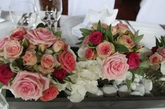 Centerpieces iwedding table pink, rose, white