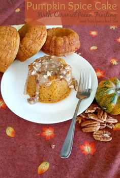 pumpkin spice cake with caramel pecan frosting, the best fall pairing for a cake