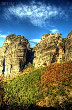 #Meteora is one of the largest and most important complexes of Eastern Orthodox monasteries in Greece. This builds on natural sandstone rock pillars. #kitsakis