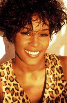 Whitney+Houston+o58EH1O1r0d23ho1_500.jpg (489×750)